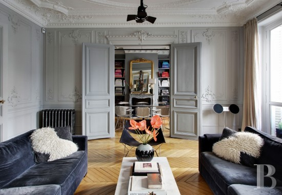 appartments for sale - paris - In the 8th arrondissement, between rue Faubourg Saint-Honoré  and rue Royale, a 123 square-metre, 3-bedroomed apartment
