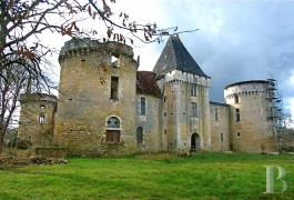 chateau en ruine a vendre jura