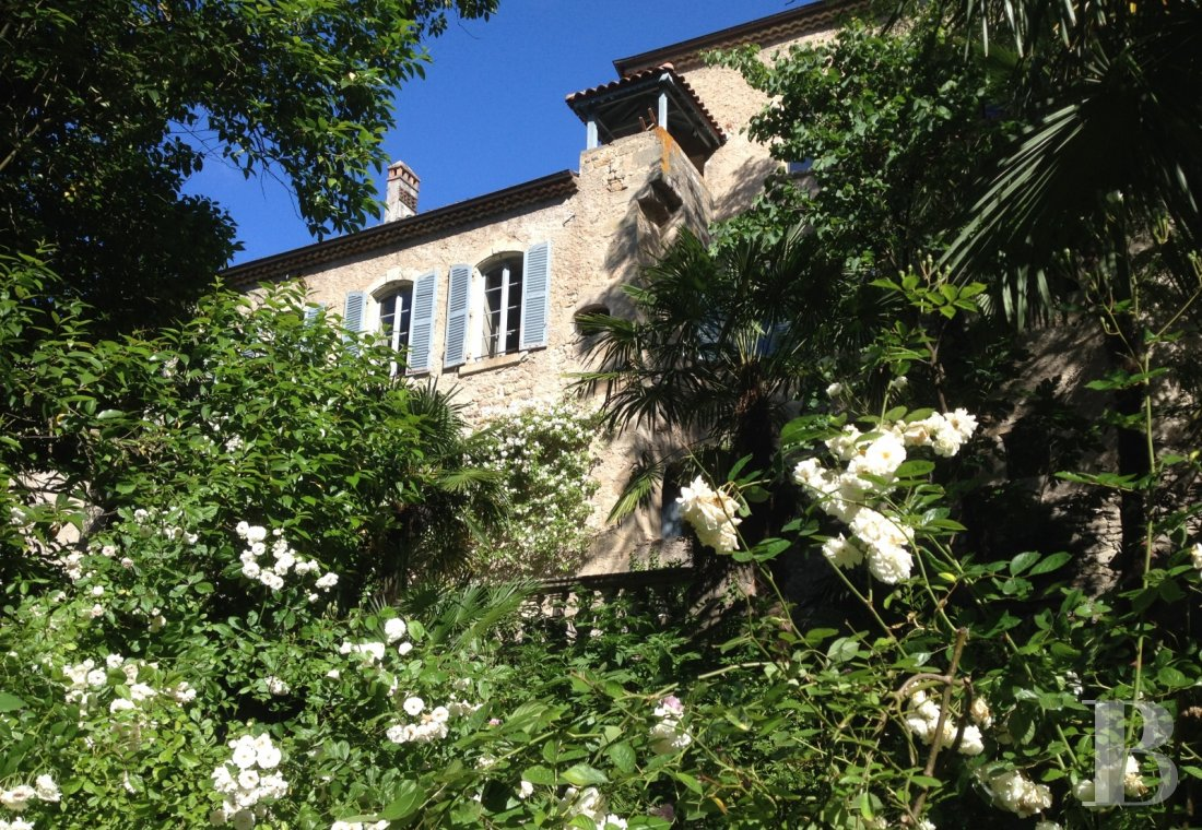 A small village chateau  with a remarkable garden  in Ardèche - photo  n°5