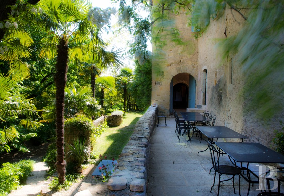 A small village chateau  with a remarkable garden  in Ardèche - photo  n°6