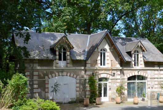 chateaux for sale France pays de loire angers 19th - 13