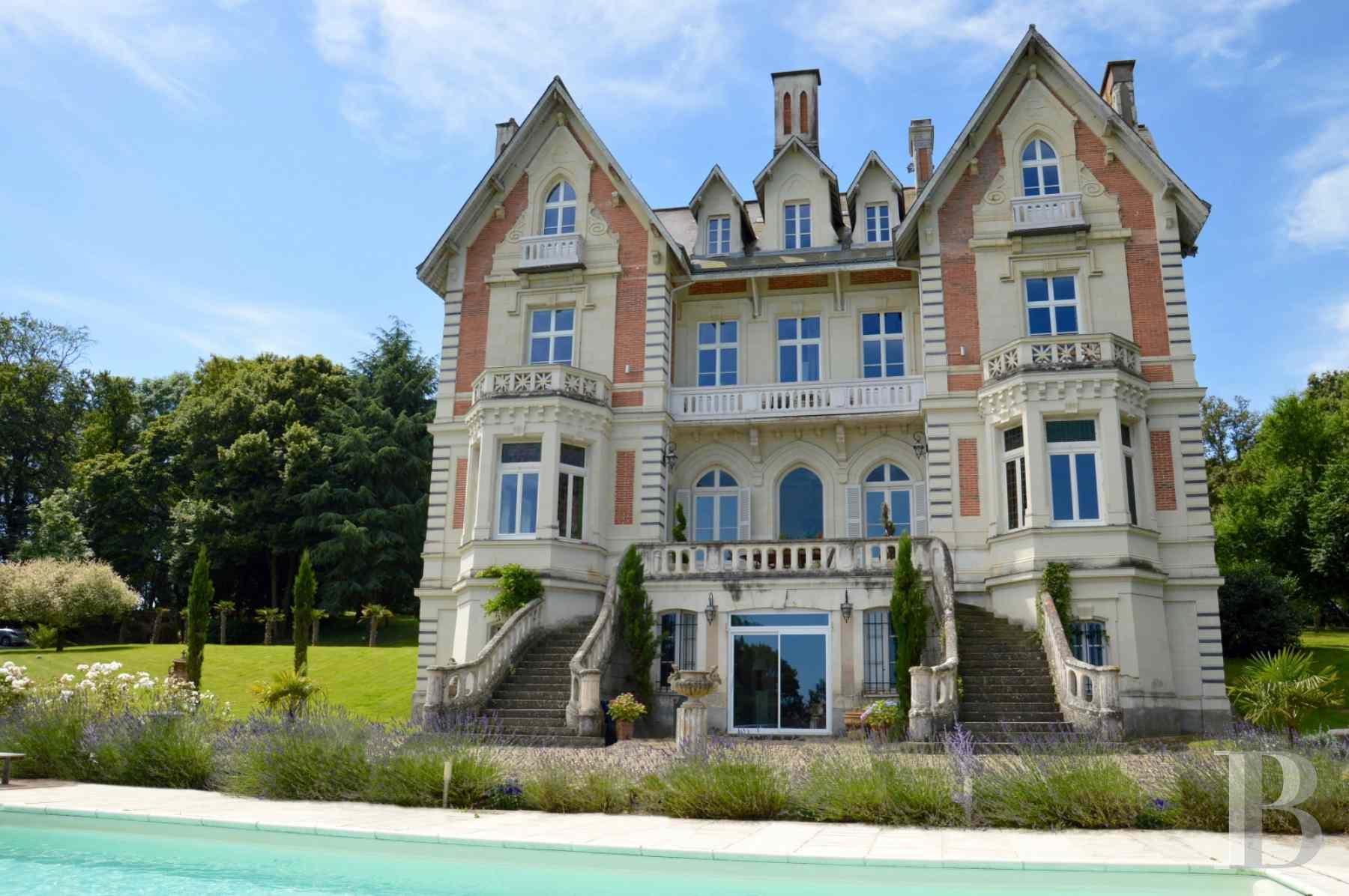 chateaux for sale France pays de loire angers 19th - 2 zoom