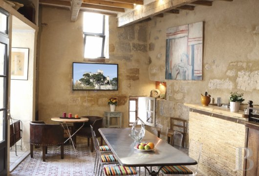 A guest house that was once a village grocery store located at the foot of Montagnette and the castle of Boulbon near to Avignon  - photo N°11