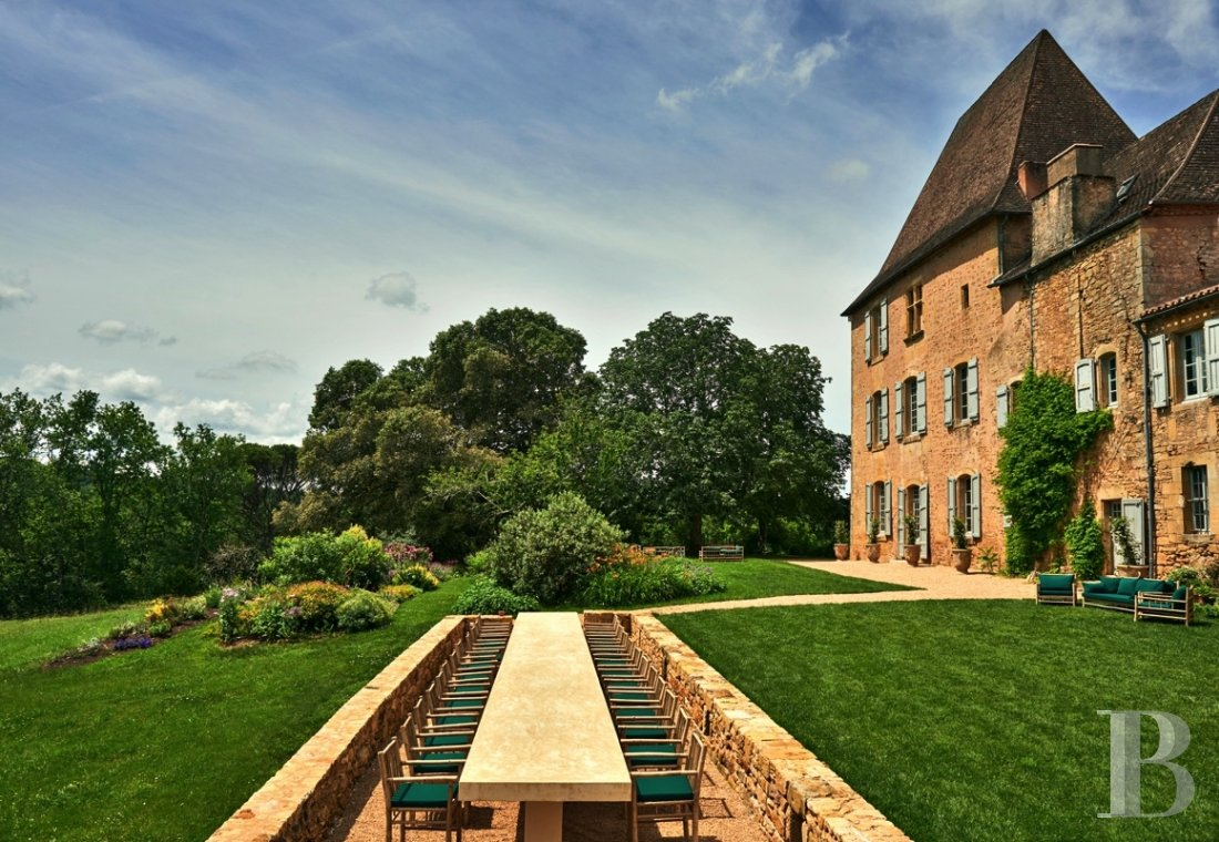 A family chateau not far from the meanders of the Dordogne,  between Bergerac and Sarlat  - photo  n°6