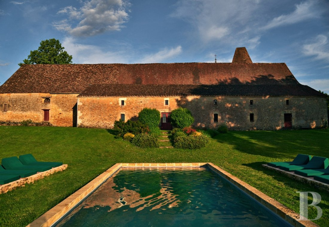A family chateau not far from the meanders of the Dordogne,  between Bergerac and Sarlat  - photo  n°7
