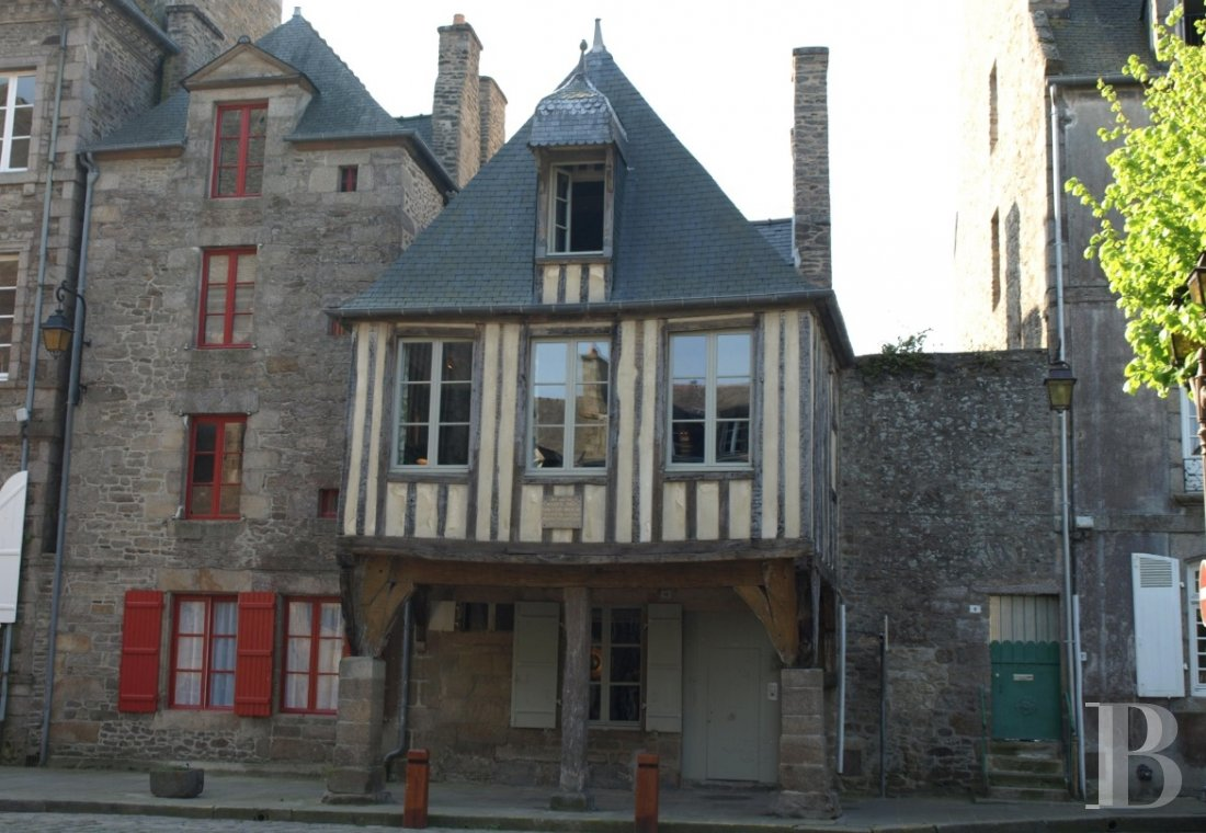 A 15th century house with an adventurous spirit  in the heart of Dinan  - photo  n°22