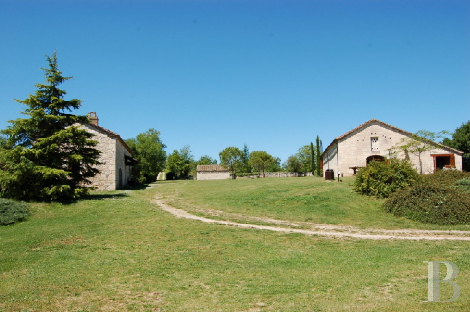 chateaux for sale France midi pyrenees chateau quercy - 11 zoom