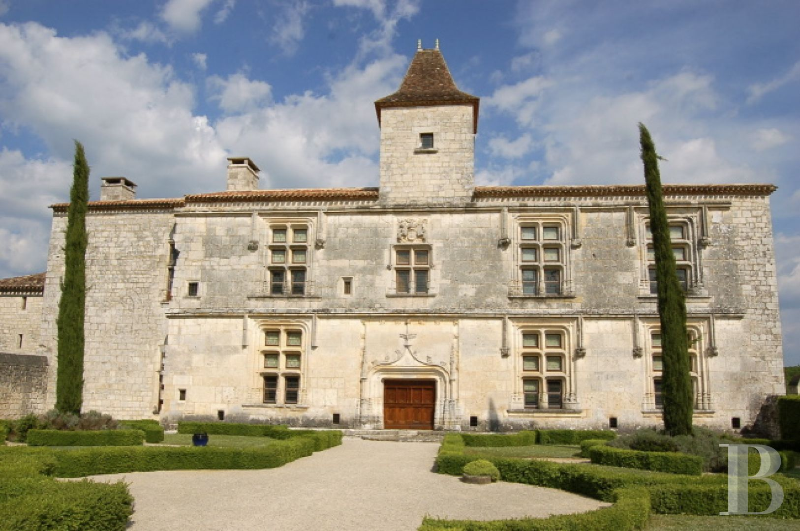 chateaux for sale France midi pyrenees chateau quercy - 1 zoom