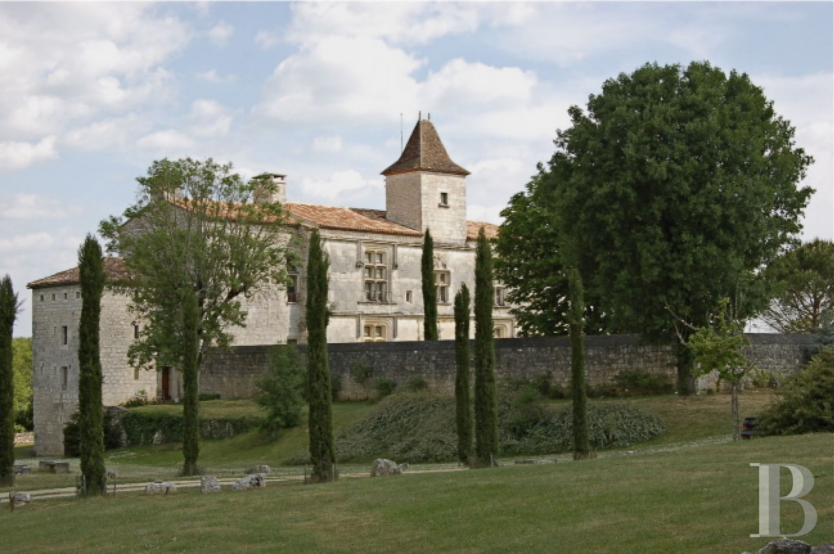 chateaux for sale France midi pyrenees chateau quercy - 2 zoom