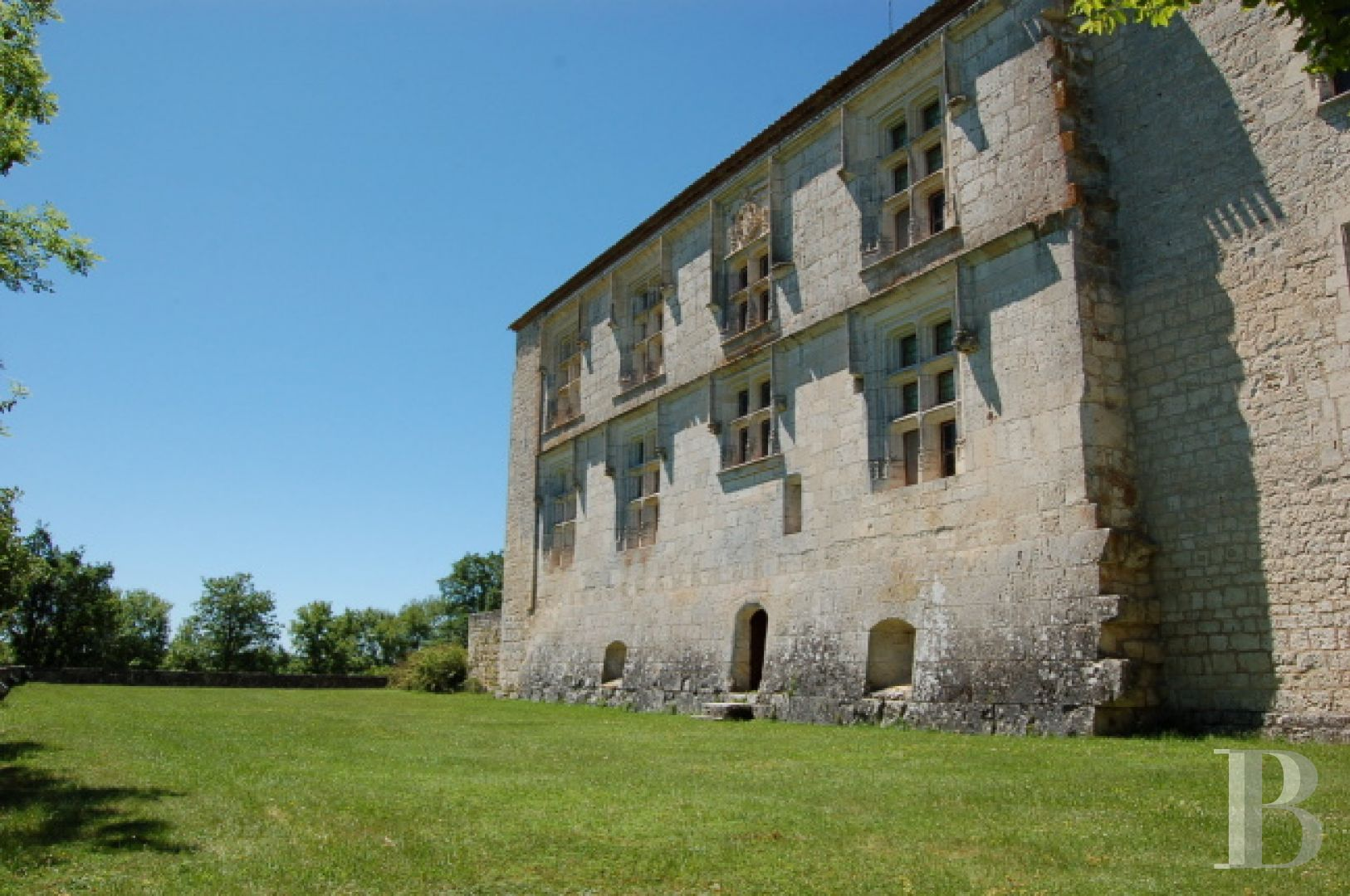 chateaux for sale France midi pyrenees chateau quercy - 3 zoom