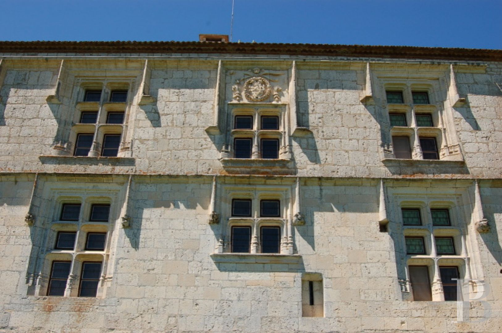 chateaux for sale France midi pyrenees chateau quercy - 5 zoom