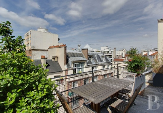 Entre boucicaut et convention dans un immeuble art d co for Agence immobiliere specialisee terrasse paris