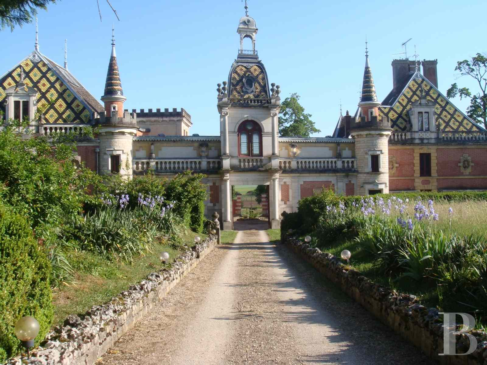 chateaux for sale France burgundy beaune property - 1 zoom