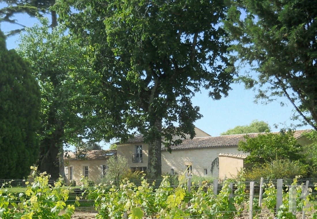 fA former wine estate with a focus on well-being in the Gironde estuary and Mer des Pertuis marine park - photo N°4
