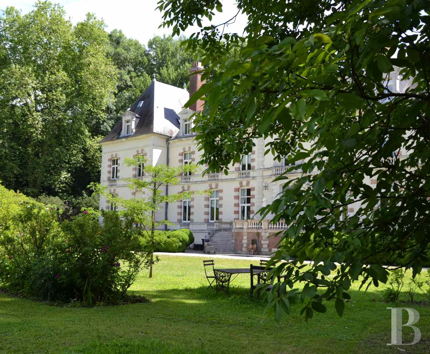 chateaux for sale France burgundy 18th century - 4 zoom