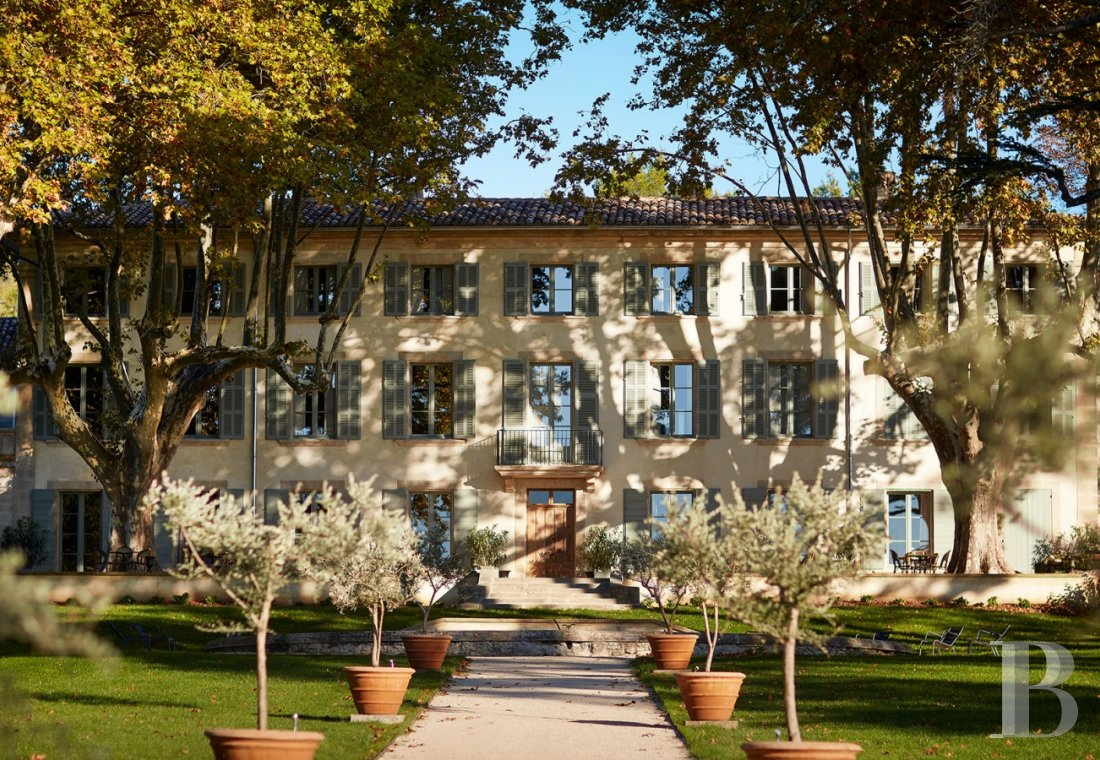 A unique property committed to a very French way of life  at the heart of the Luberon region in the Aix countryside - photo  n°23