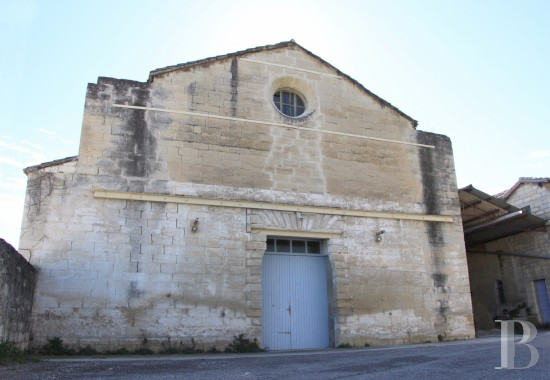 Religious edifices for sale - provence-cote-dazur - An old, 17th century convent and its chapel awaiting restoration  on the south bank of the river Durance, on the outskirts of Avignon