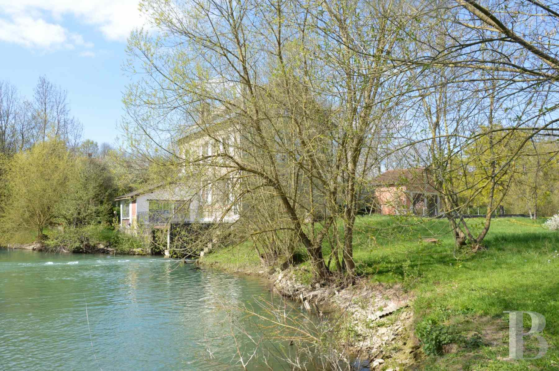 character properties France champagne ardennes mill full - 4 zoom