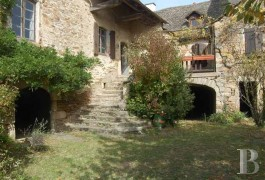Village houses for sale - midi-pyrenees - In an Aveyron village,-18th century house