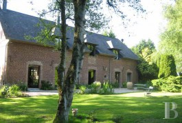 Character houses for sale - picardy - In Normandy�s Oise region,-authentic 19th century barn -