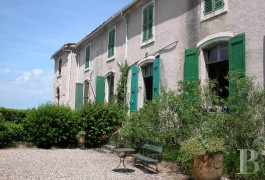 Castles / chateaux for sale - languedoc-roussillon - Near Nîmes,-a village castle with its parklands to be renovated