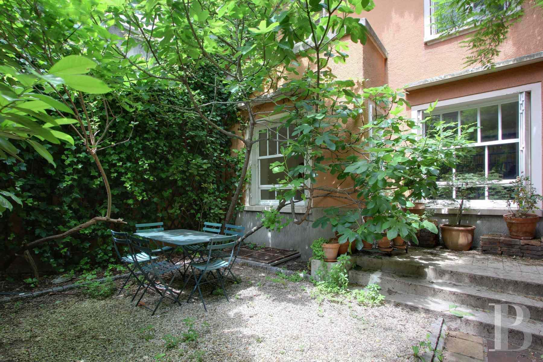 Quartier vert de paris 14 me dans une impasse inscrite mh for Agence immobiliere specialisee terrasse paris