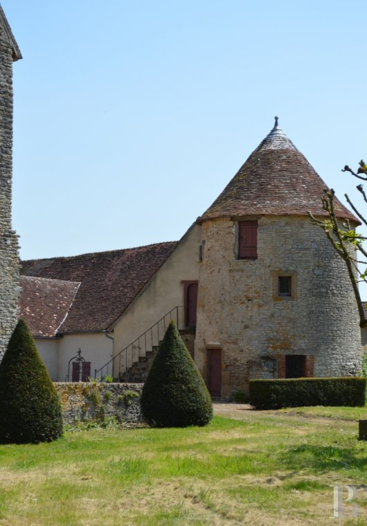 chateaux for sale France auvergne   - 5