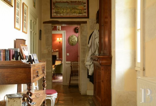 character properties France poitou charentes   - 10