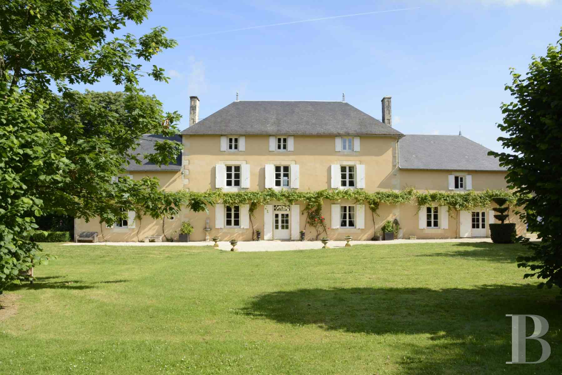 character properties France poitou charentes luxurious home - 1 zoom