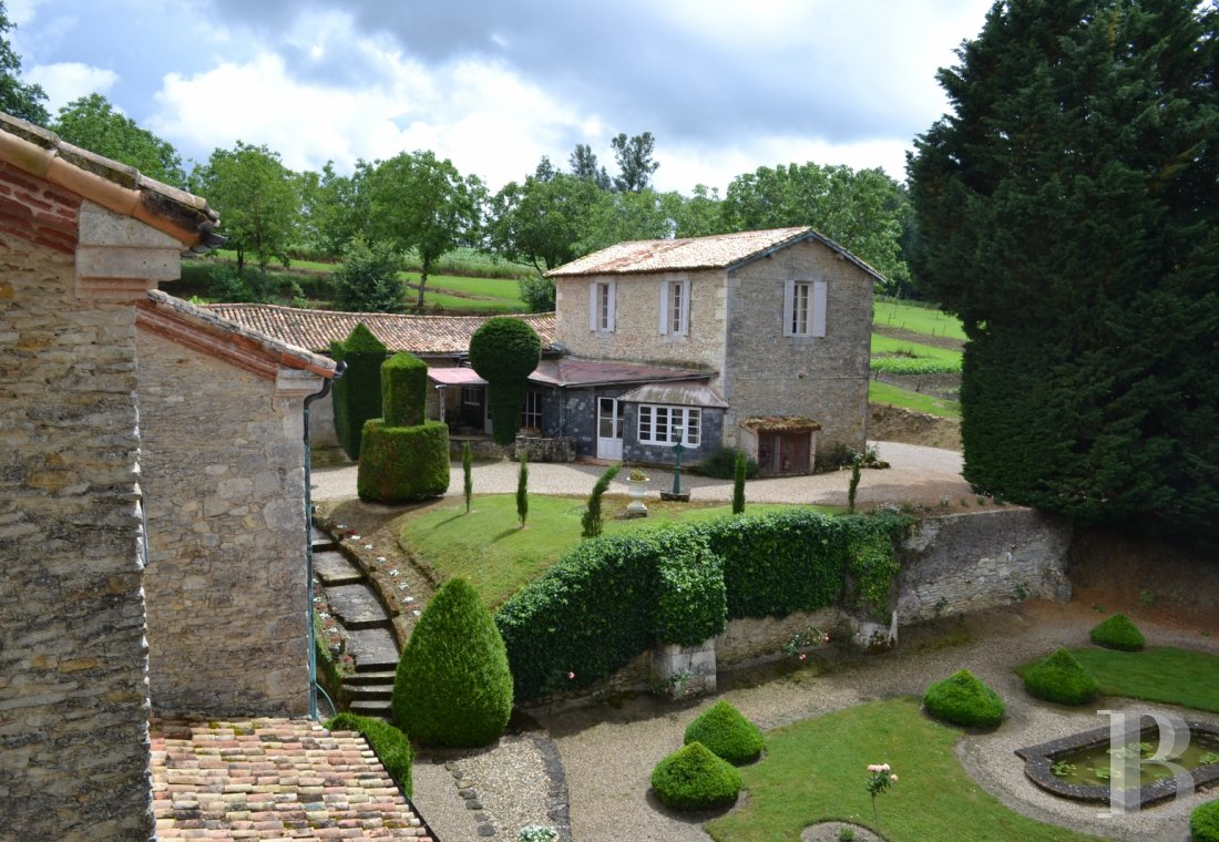 chateaux for sale France aquitaine renaissance style - 20