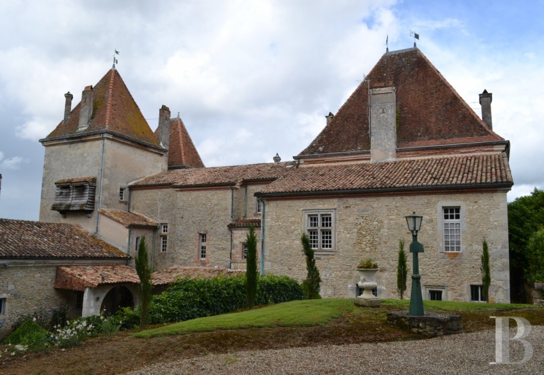 chateaux for sale France aquitaine renaissance style - 4