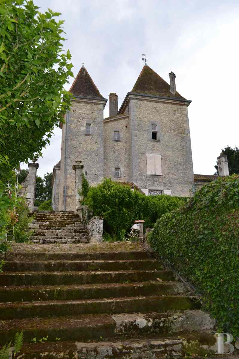 chateaux for sale France aquitaine renaissance style - 2 zoom