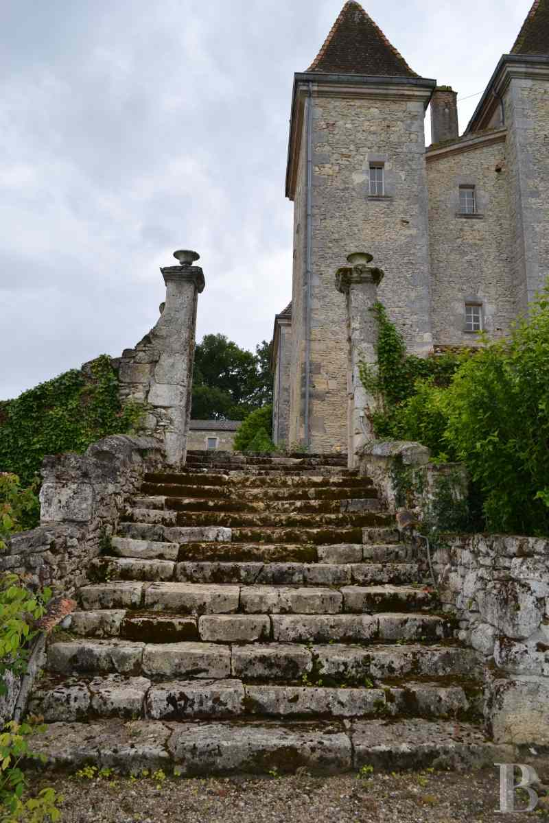 chateaux for sale France aquitaine renaissance style - 3 zoom