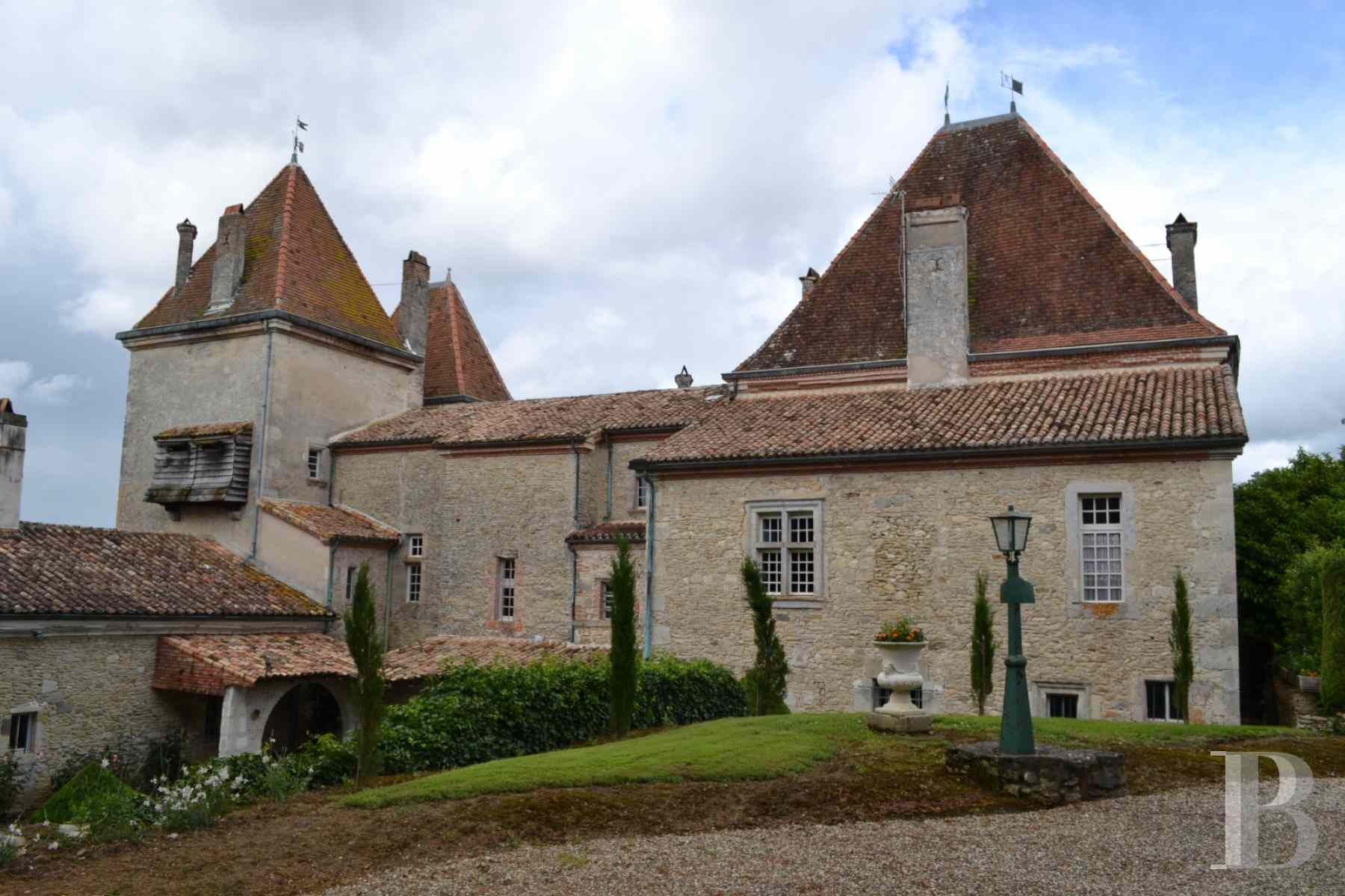 chateaux for sale France aquitaine renaissance style - 4 zoom