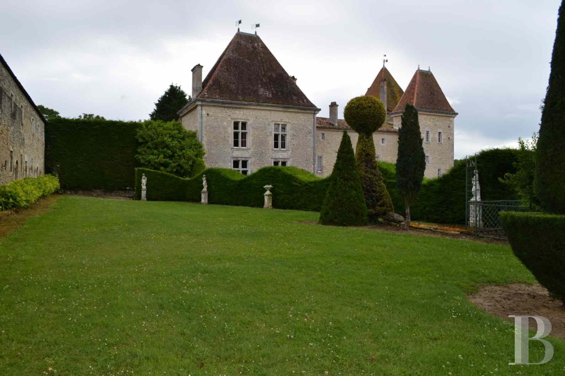 chateaux for sale France aquitaine renaissance style - 6 zoom