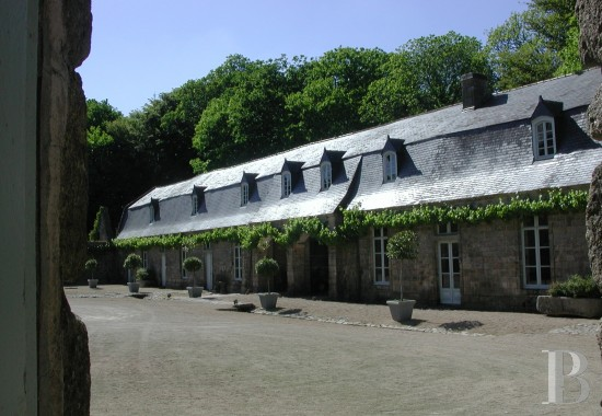 chateaux for sale France brittany 18th century - 7 mini