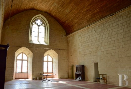 chateaux for sale France poitou charentes 12th century - 8