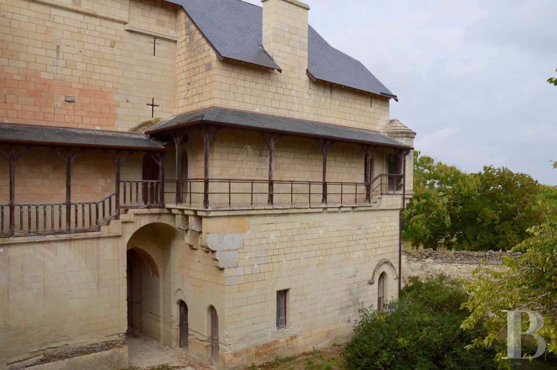chateaux for sale France poitou charentes 12th century - 7 zoom