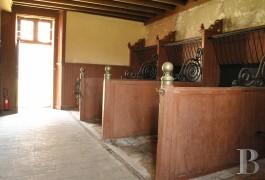 chateaux a vendre poitou charentes hotel equitation - 10