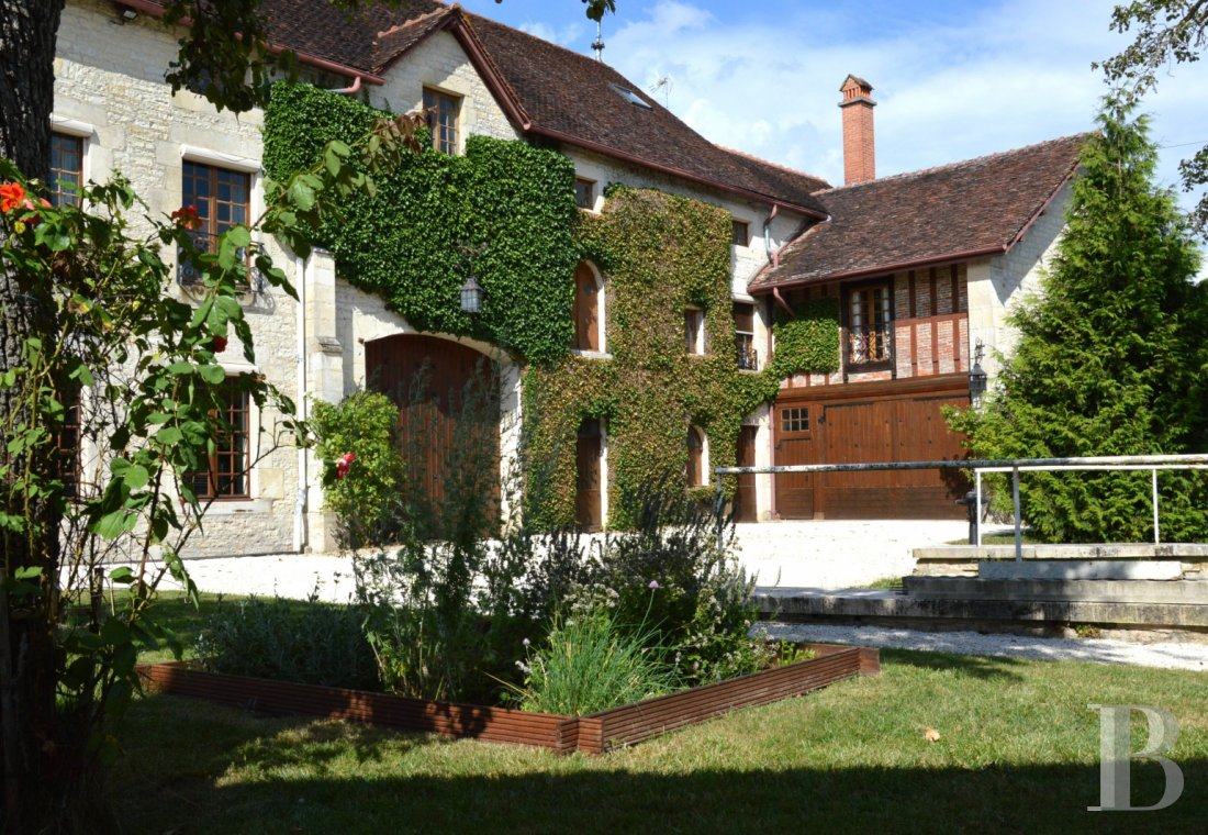France mansions for sale champagne ardennes property waterside - 1