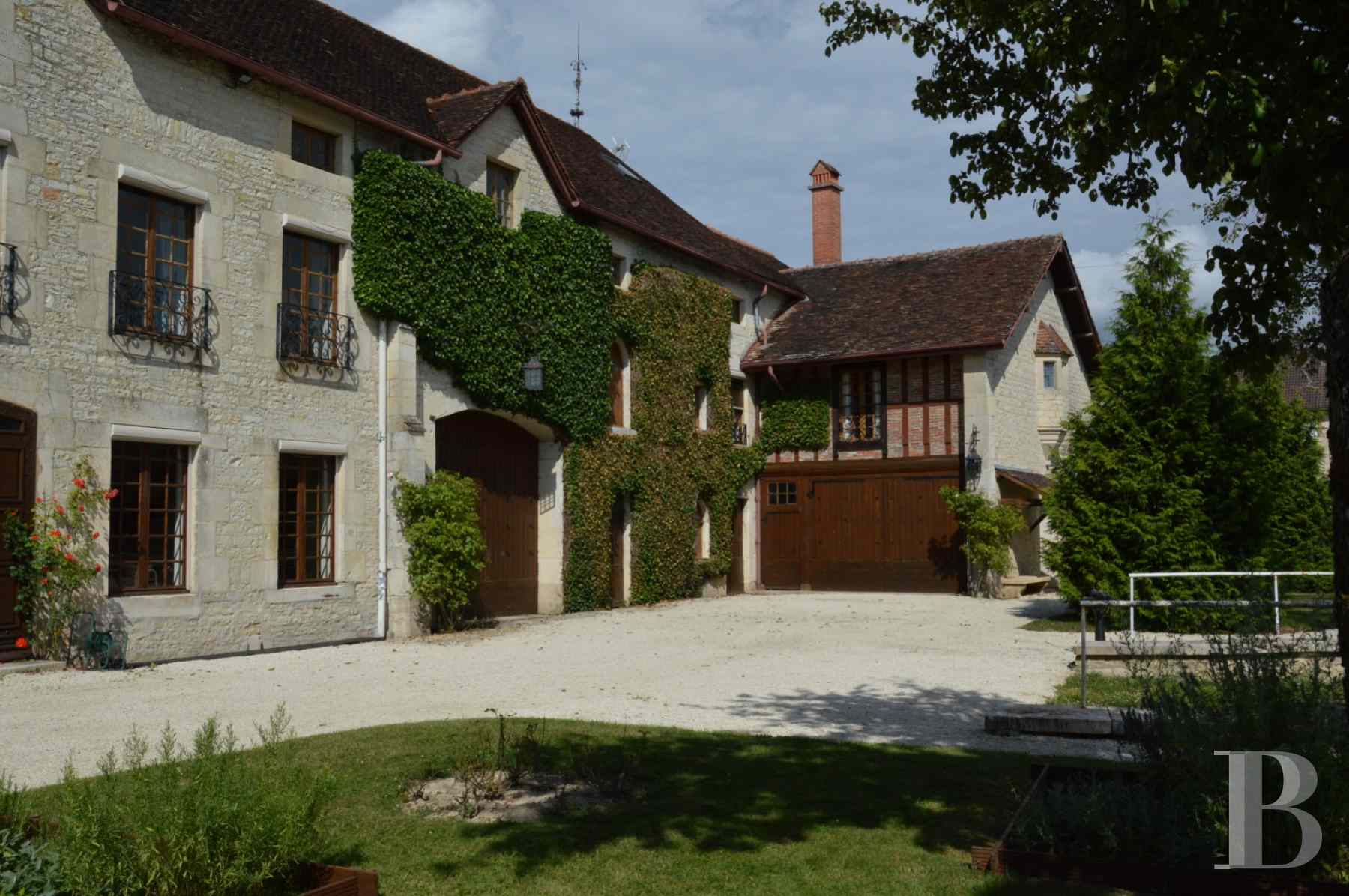 France mansions for sale champagne ardennes property waterside - 1 zoom