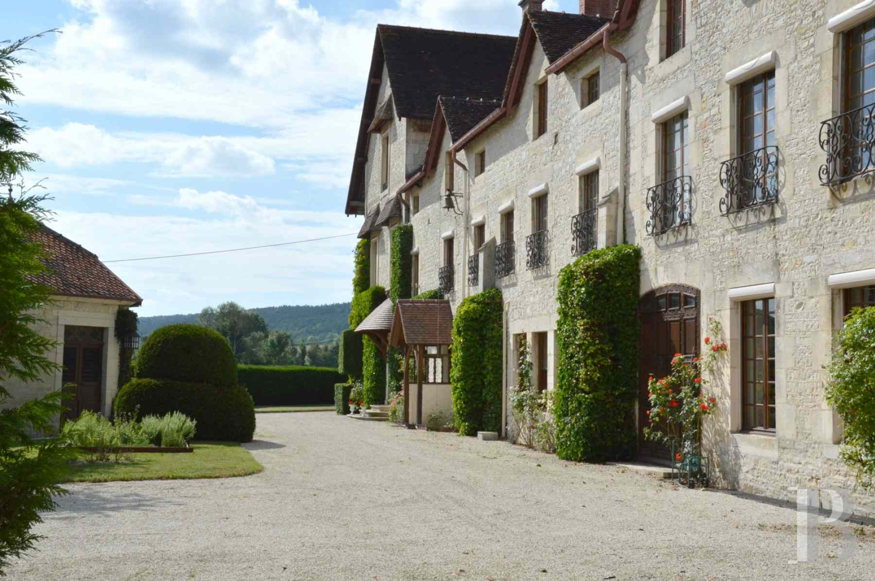 France mansions for sale champagne ardennes property waterside - 2 zoom