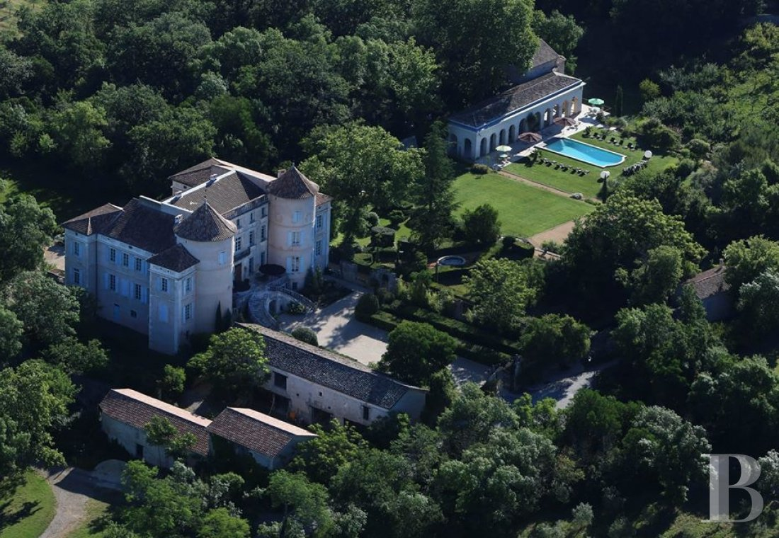 chateaux for sale France languedoc roussillon chateau 18th - 18