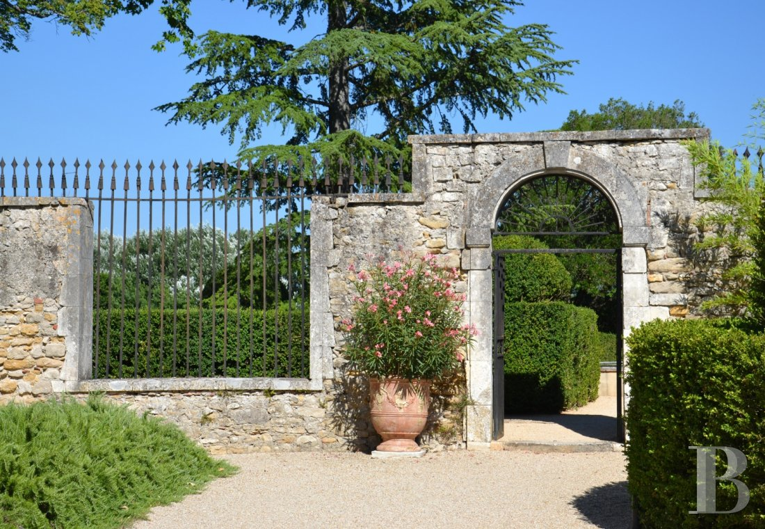 chateaux for sale France languedoc roussillon chateau 18th - 6