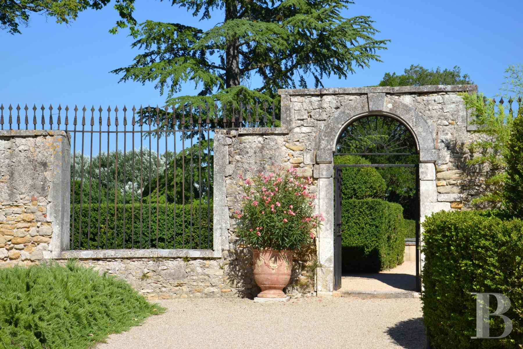 chateaux for sale France languedoc roussillon chateau 18th - 6 zoom