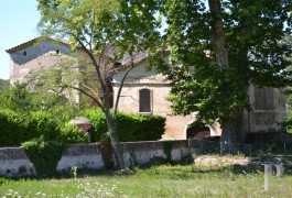 Farms for sale - languedoc-roussillon - At the foot of the southern Cevennes Mountains, a traditional Mas house and its vines