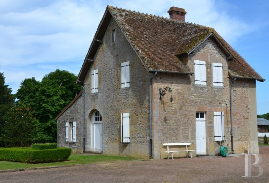 chateaux for sale France burgundy   - 11