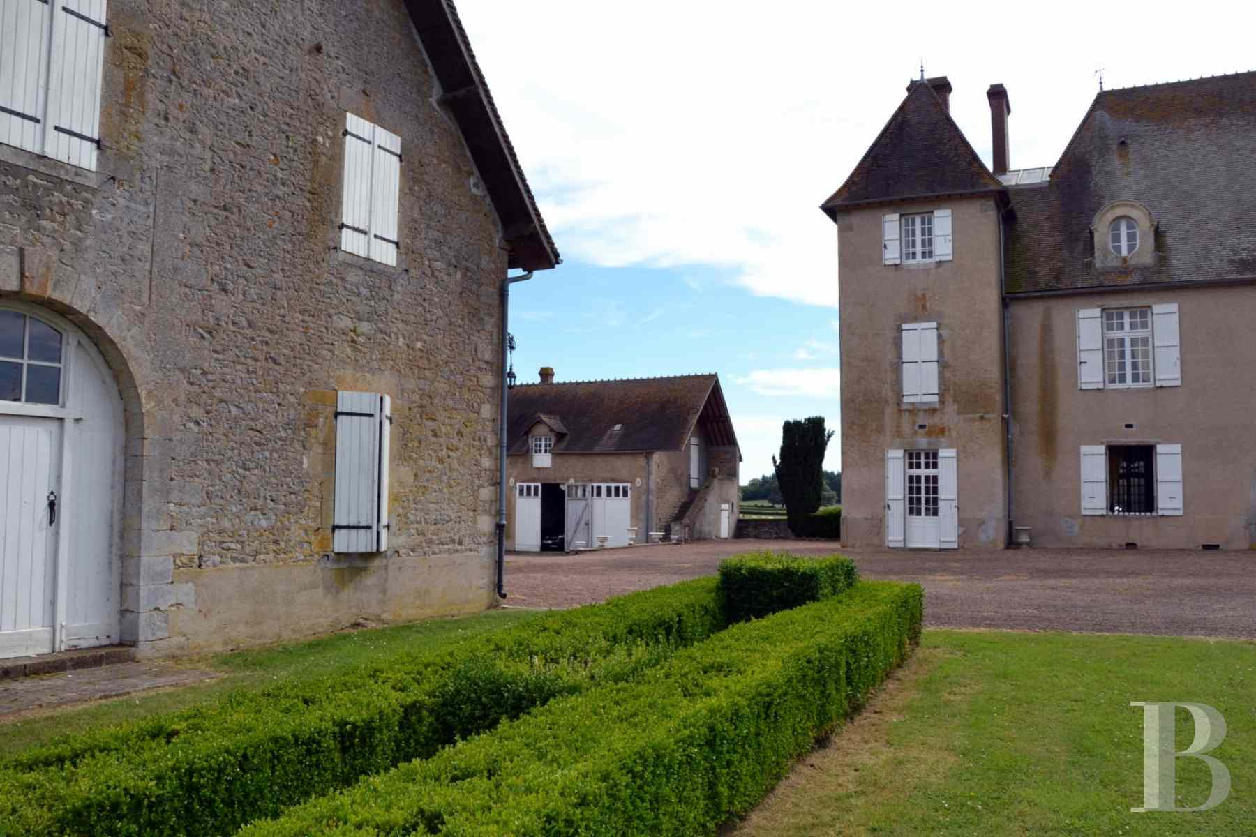 chateaux for sale France burgundy castle 18th - 3 zoom