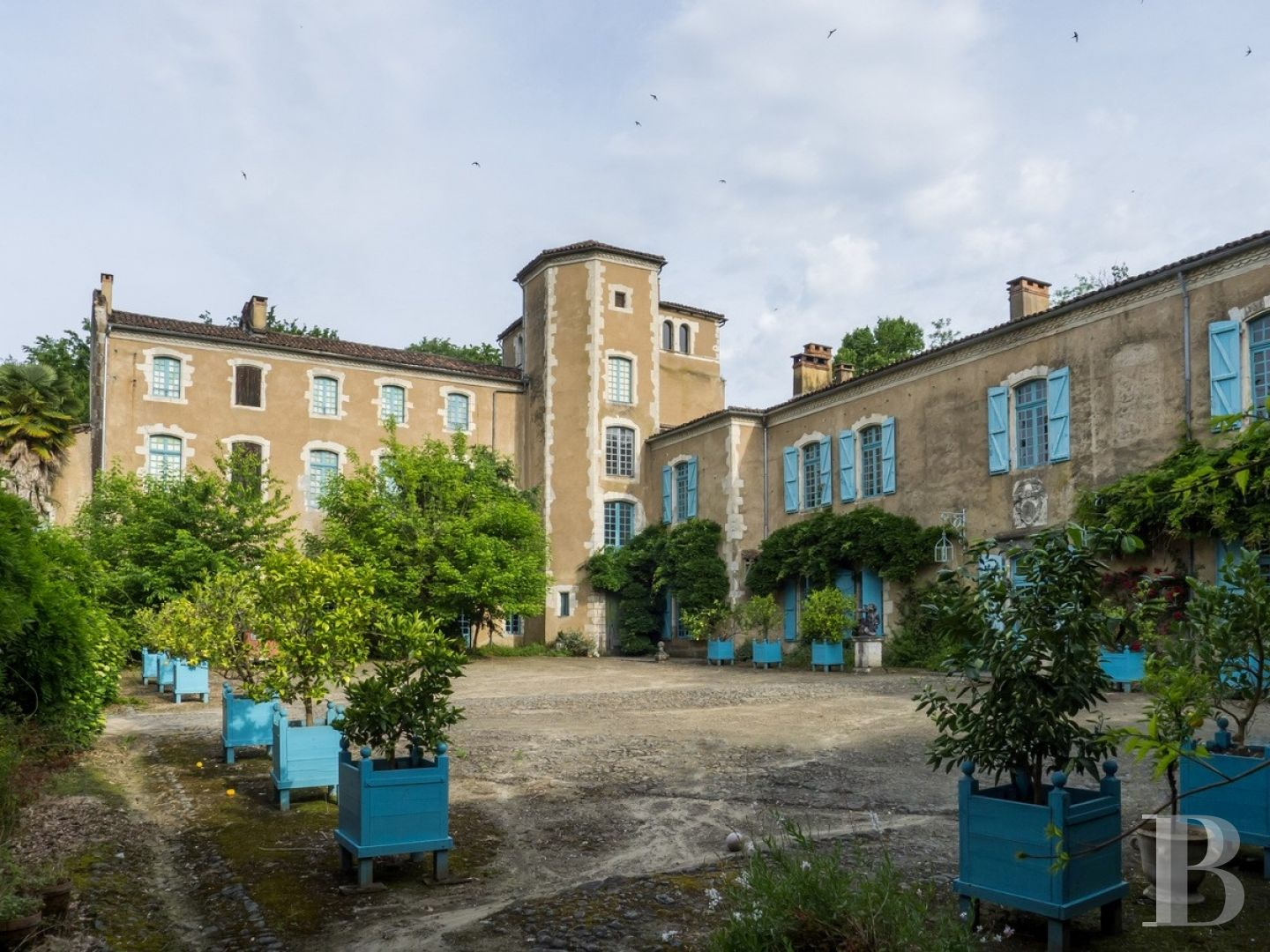 chateaux for sale France aquitaine historic residence - 1 zoom