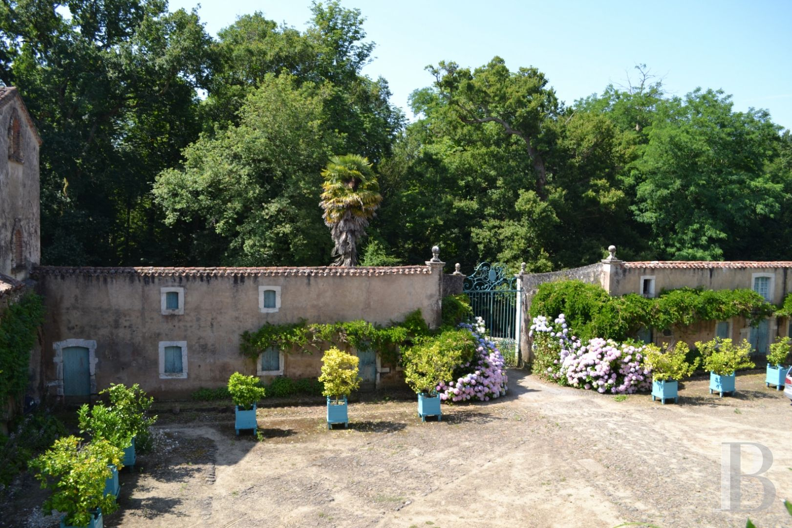 chateaux for sale France aquitaine historic residence - 2 zoom
